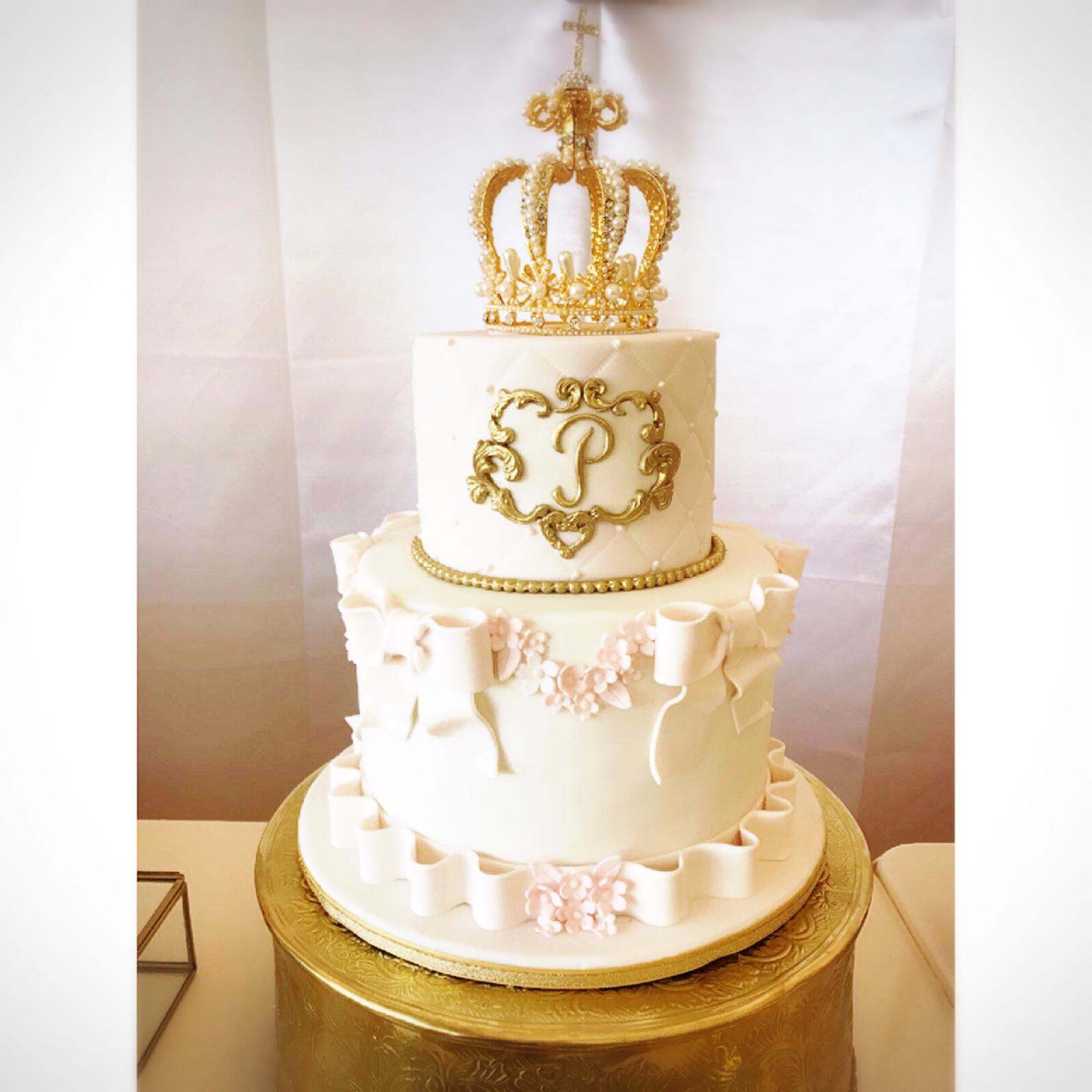Pink and white princess crown birthday cake