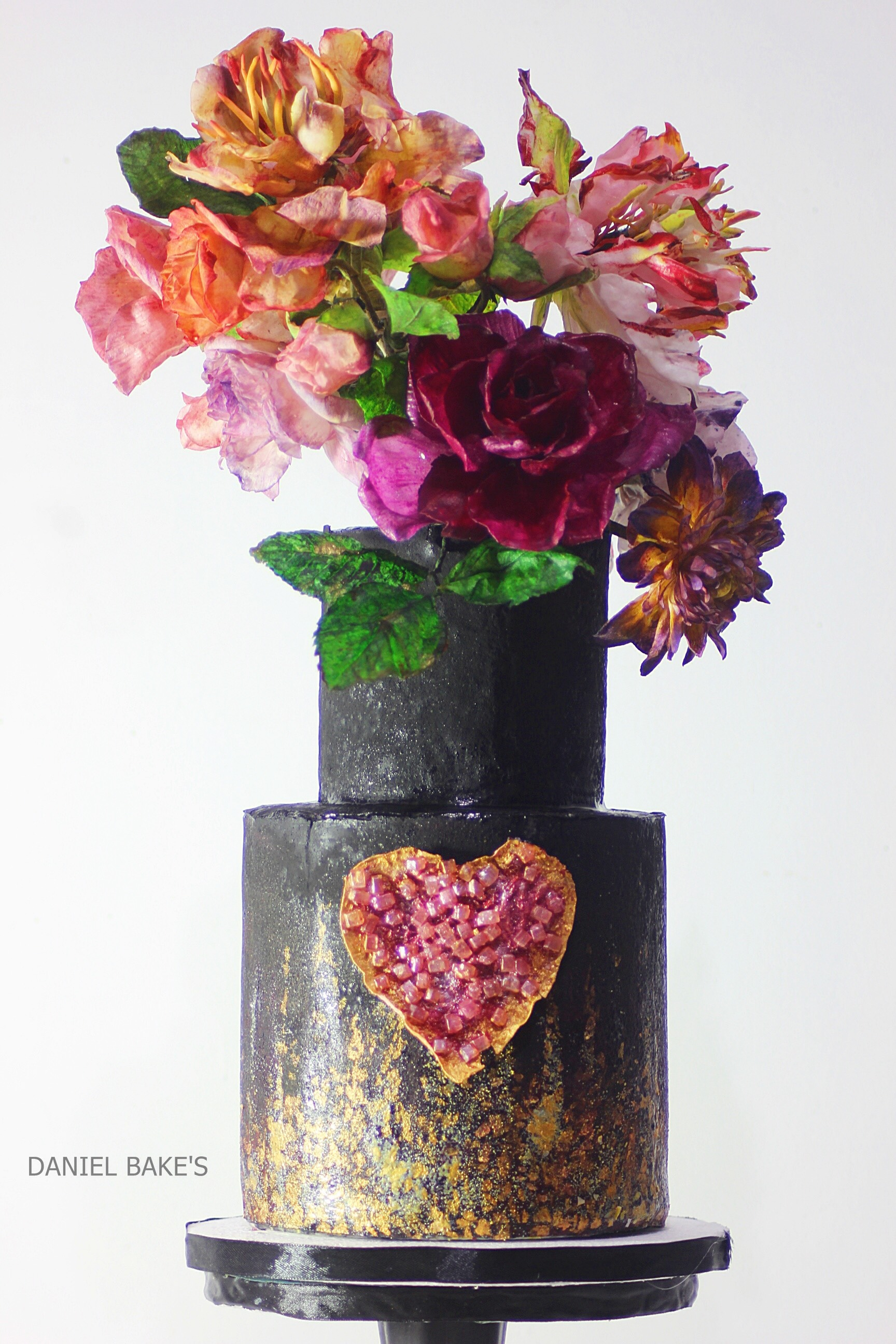 Black wedding cake pink sugar flower bouquet