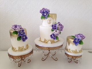White and gold wedding with purple sugar flowers