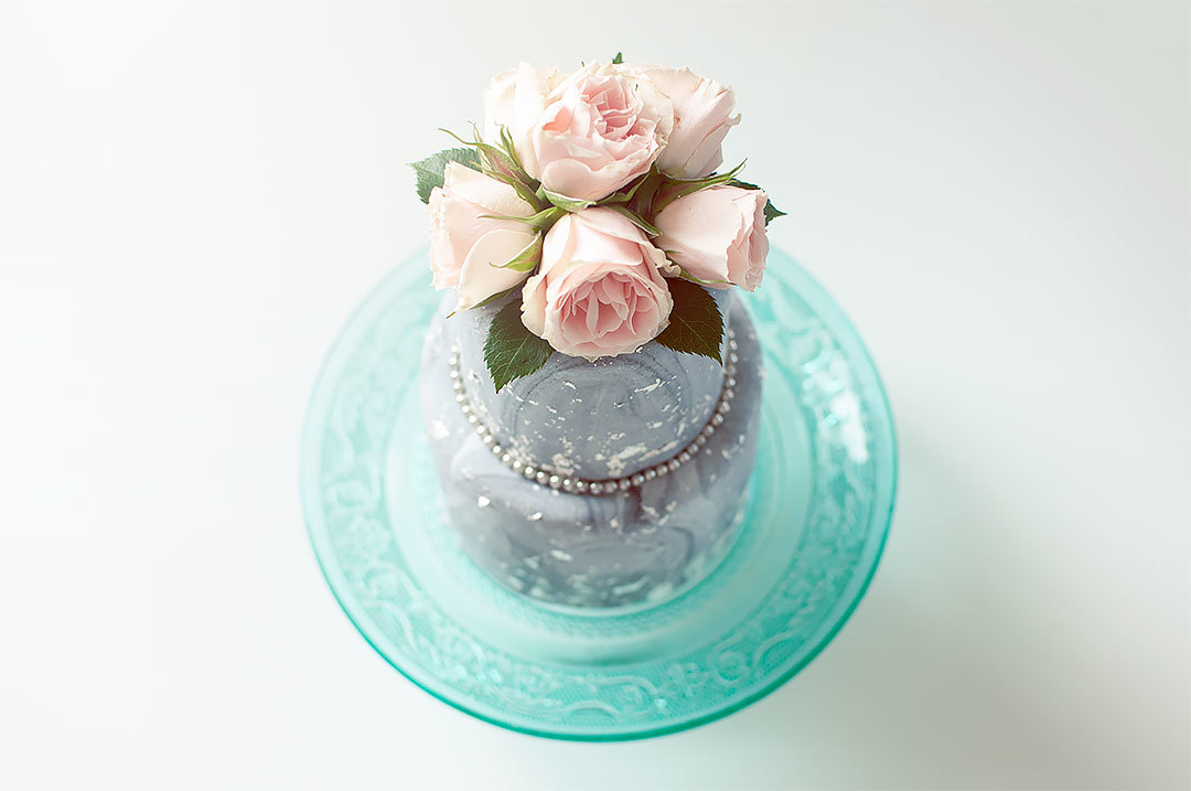 Gray marbled wedding cake
