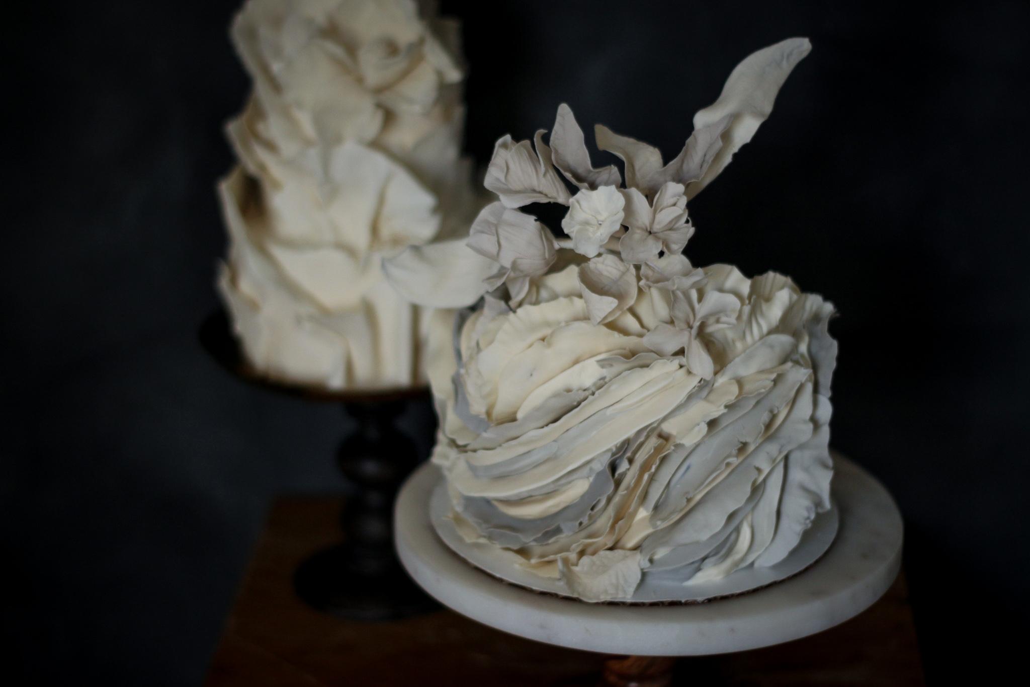 Extreme fondant ruffle cake