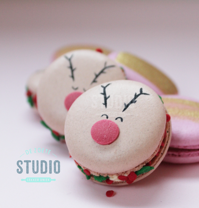 Reindeer Macarons decorated with fondant