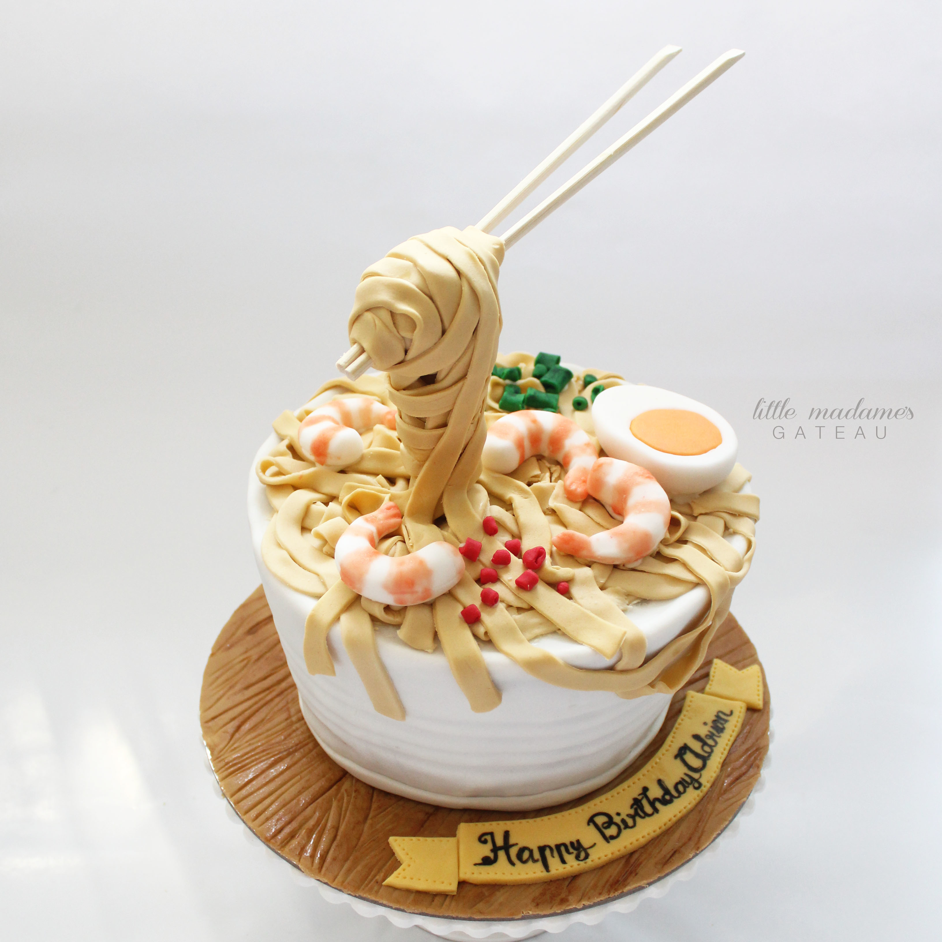Chinese noodle bowl cake