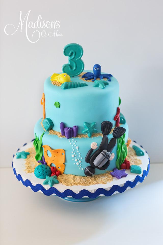 Blue under the sea cake