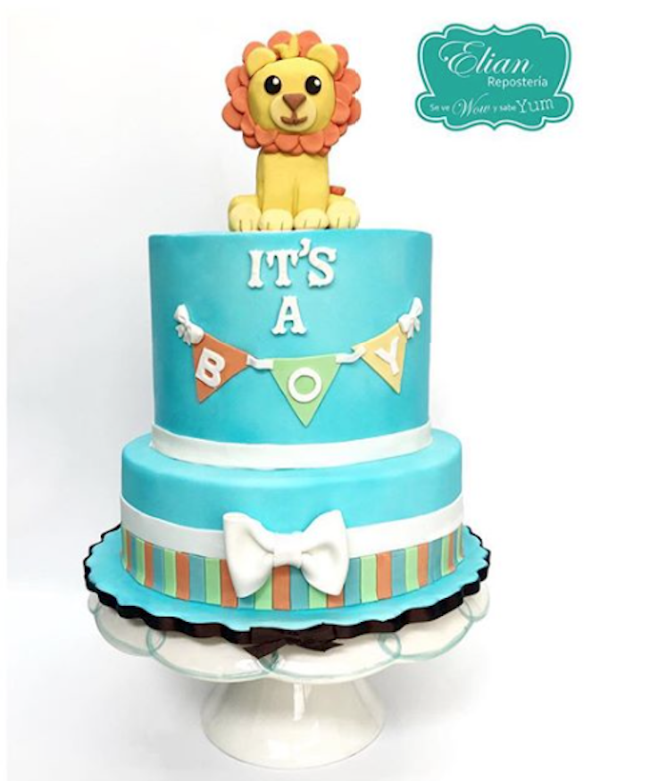 Blue lion safari fondant cake