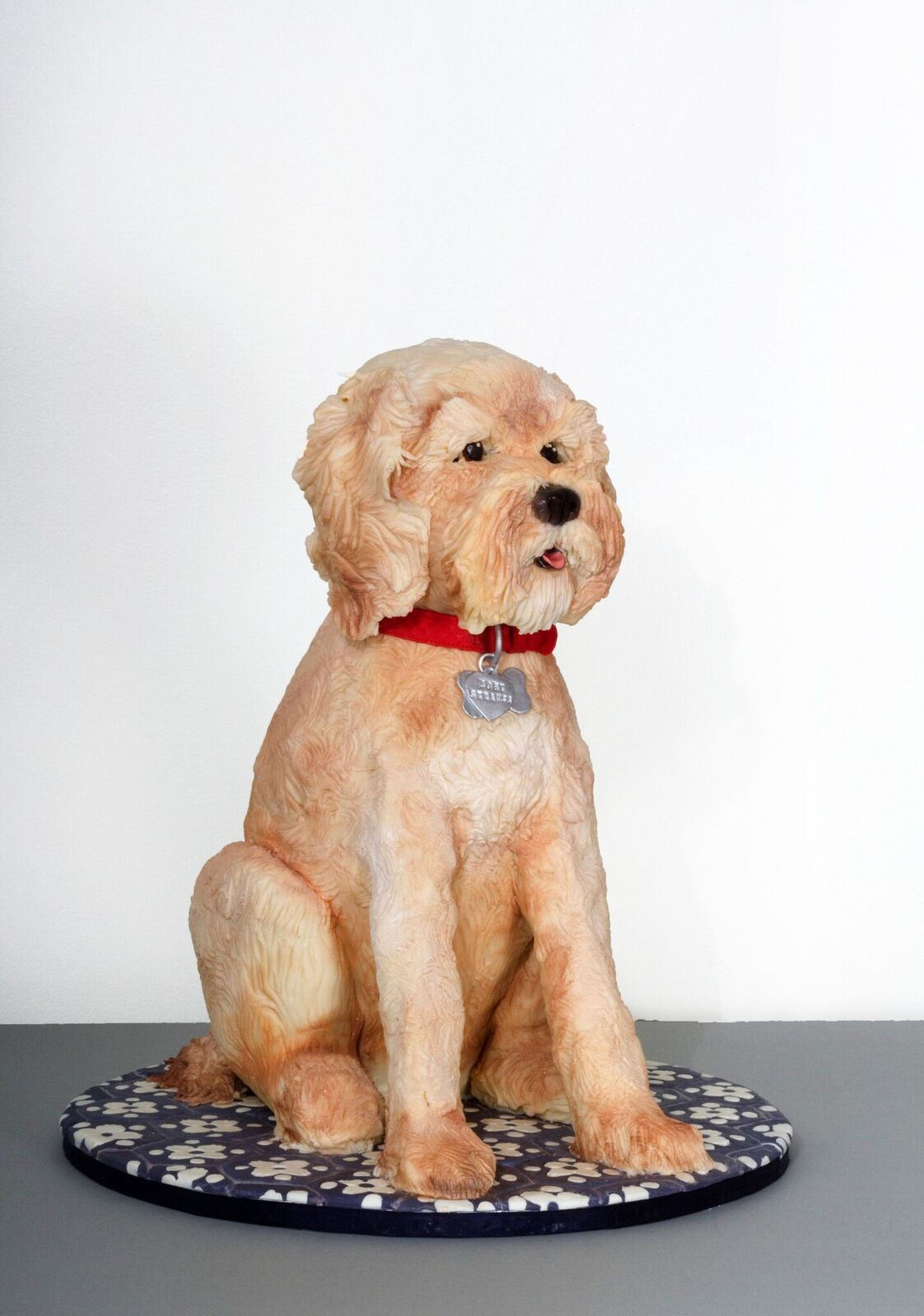 Sculpted fondant dog