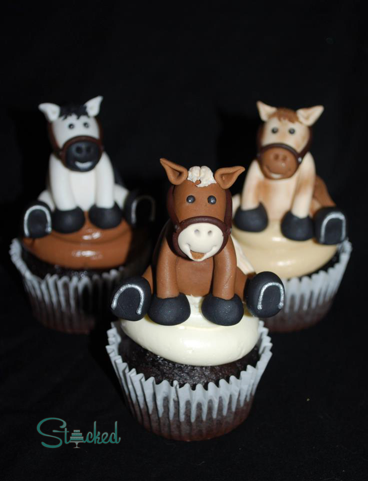 Fondant farm animal cupcake toppers