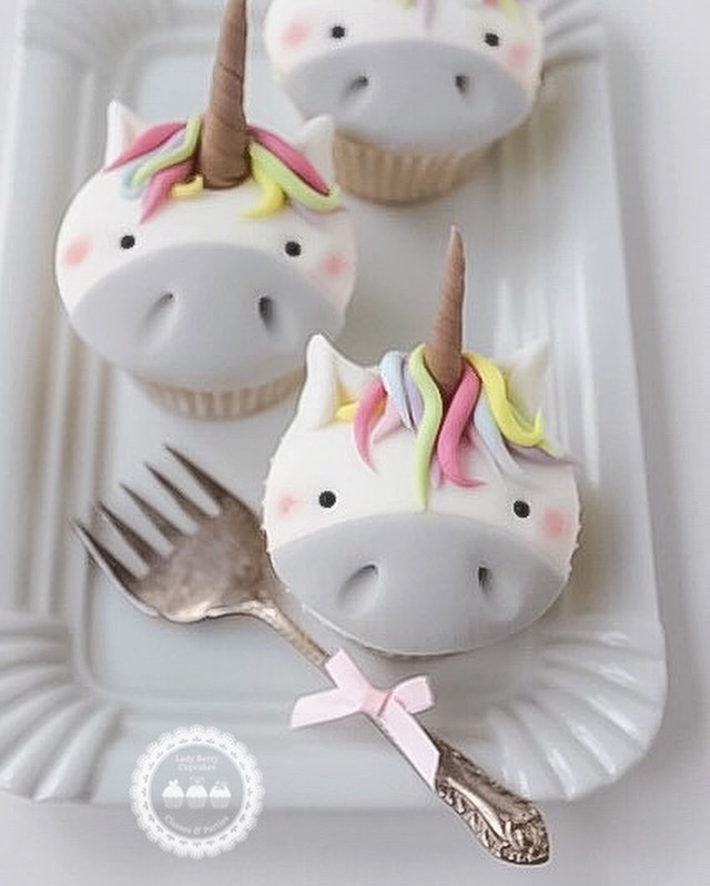 Gray & White fondant Unicorn Cupcakes