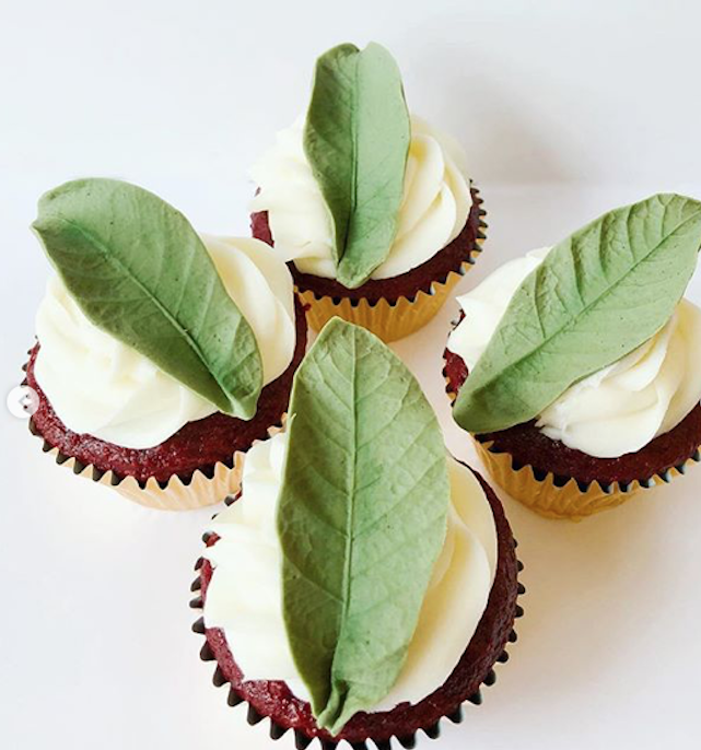 Green sugar leaf cupcake toppers
