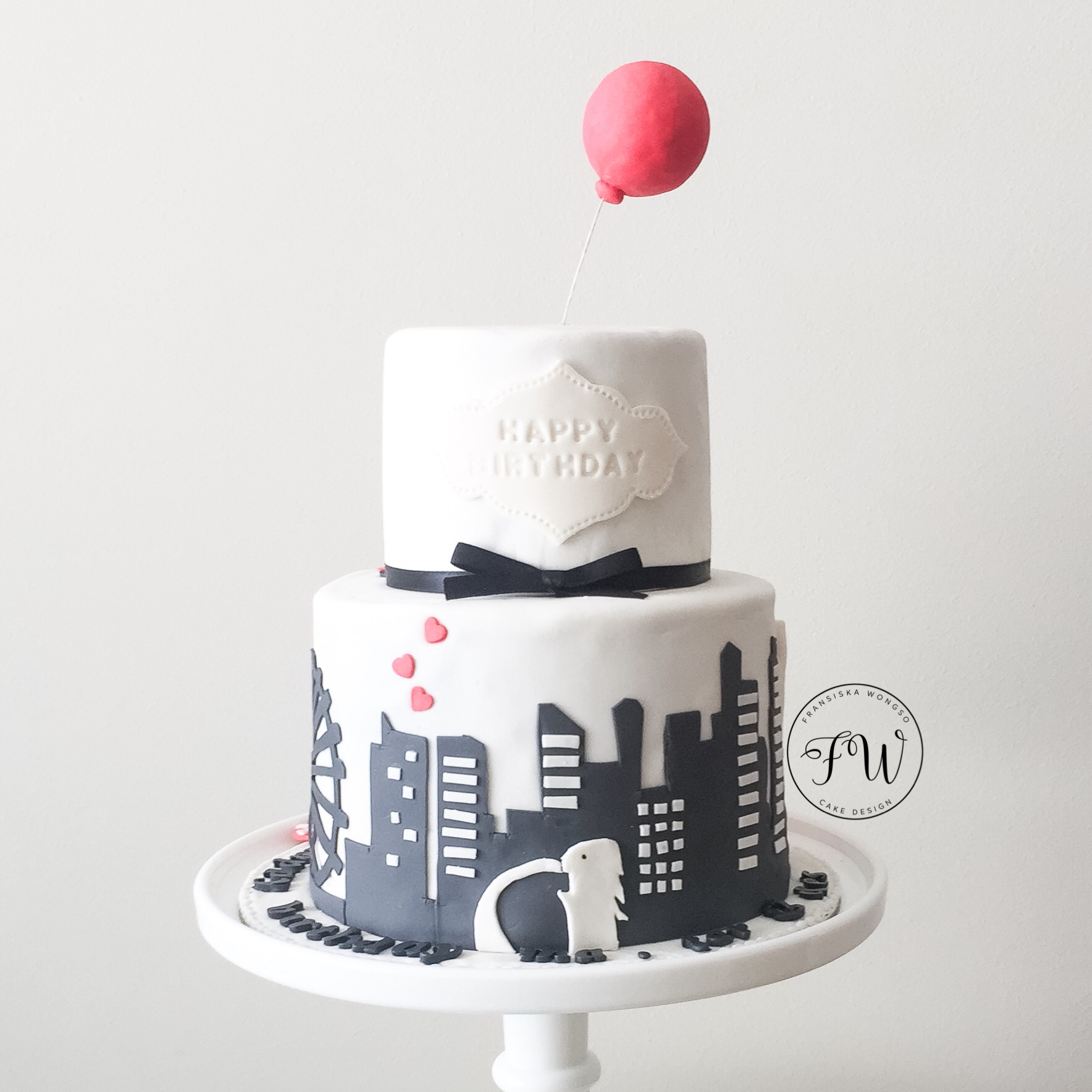 Cityscape wedding cake