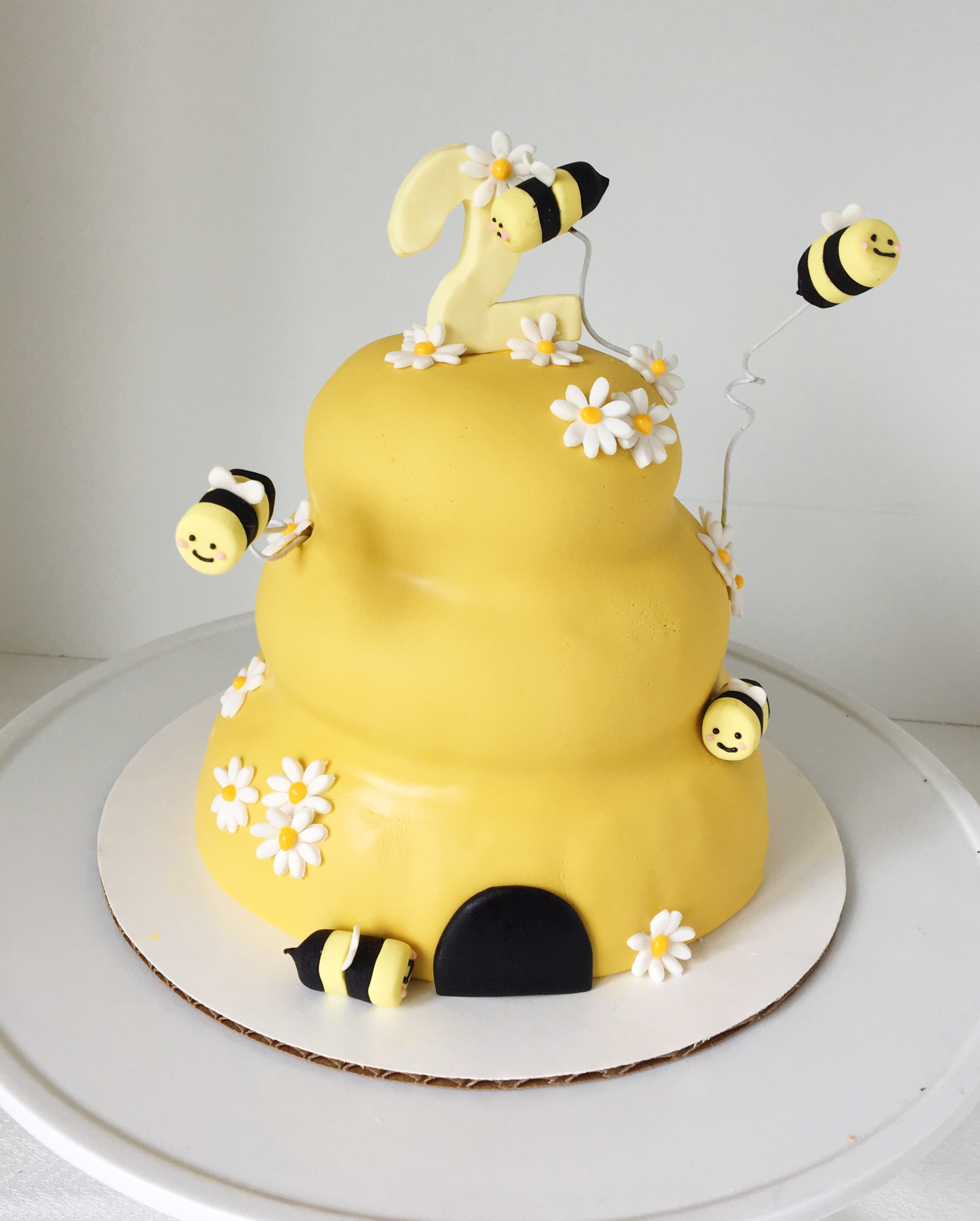 Yellow Bee hive birthday cake