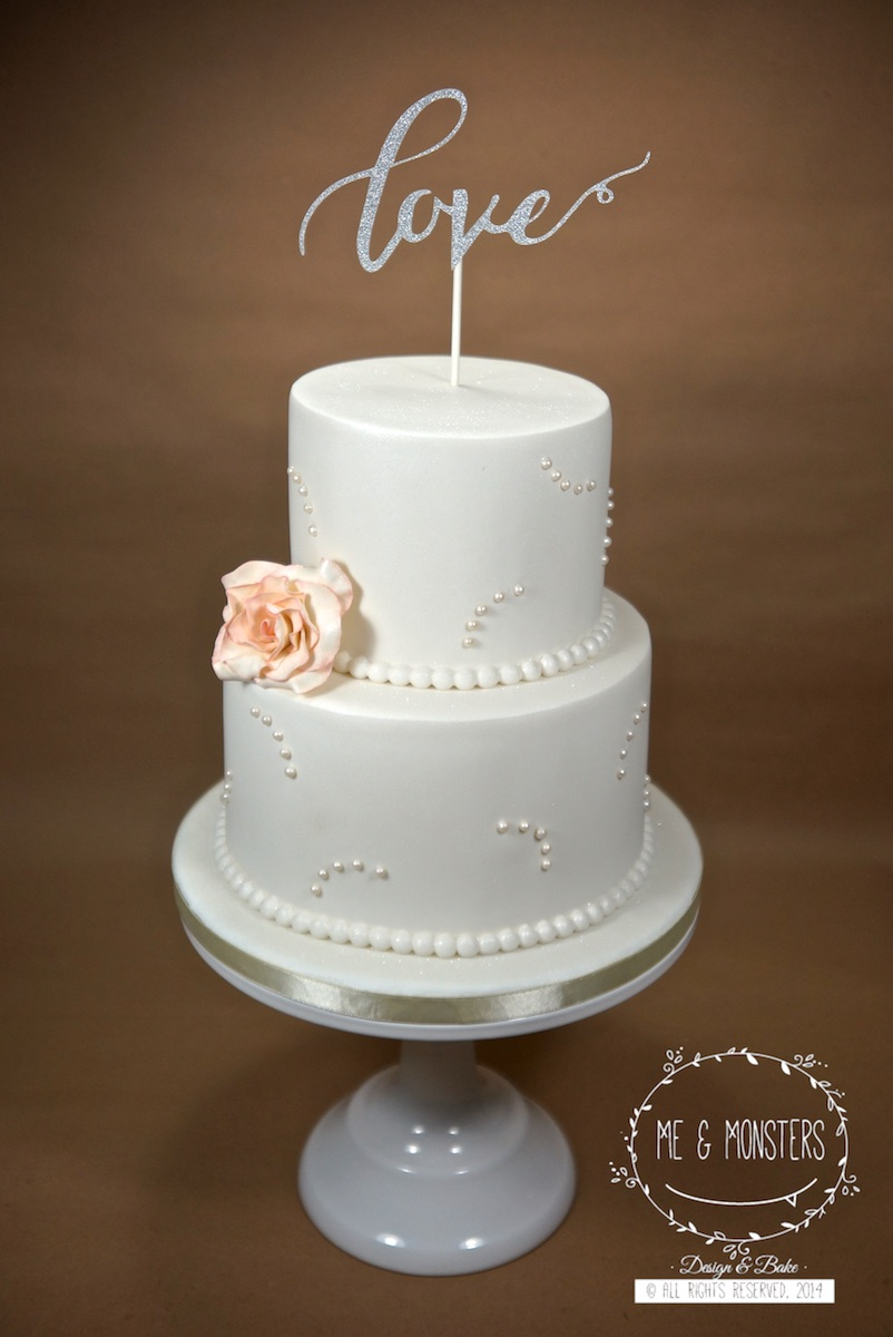 White wedding with sugar pearls