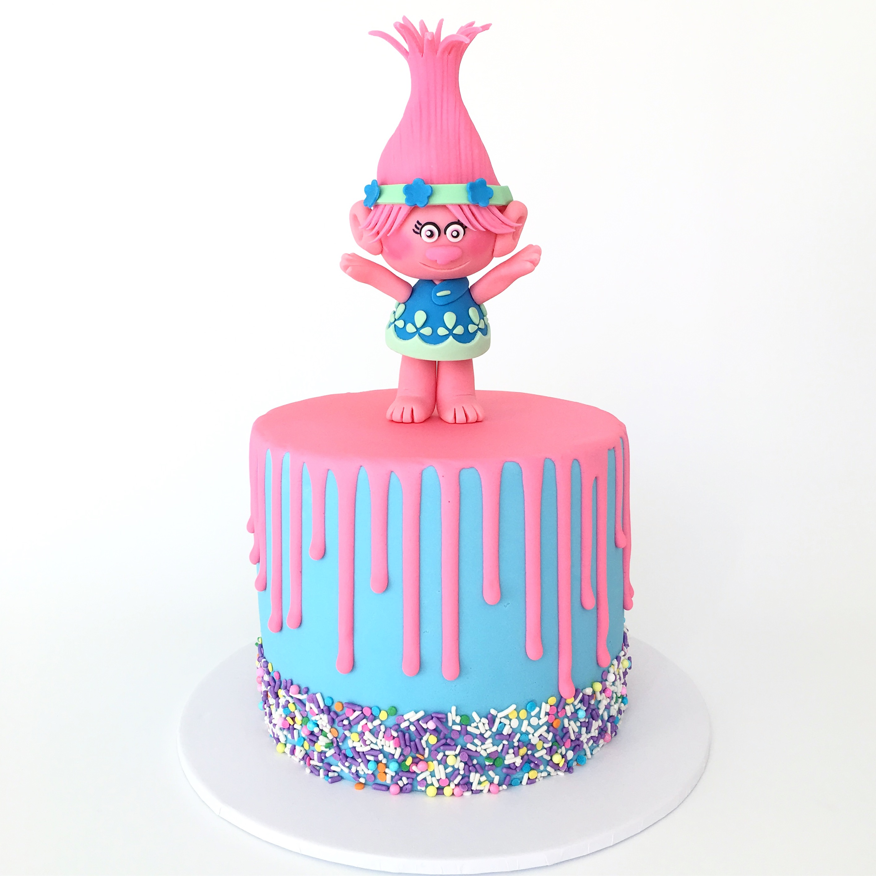 Poppy the troll fondant cake topper