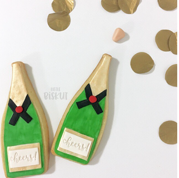 Fondant champagne bottle cookie