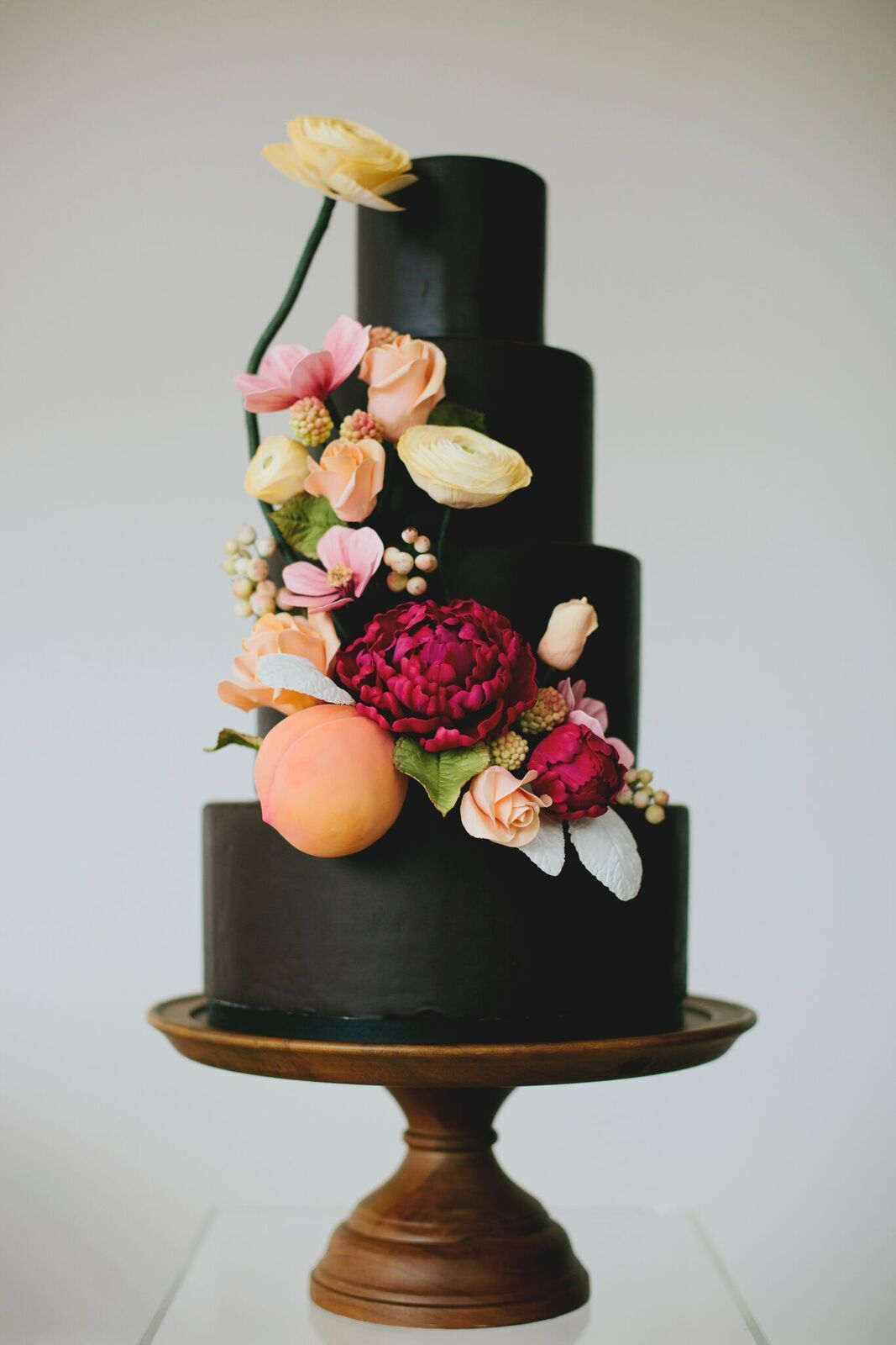 Black fondant wedding with sugar flowers