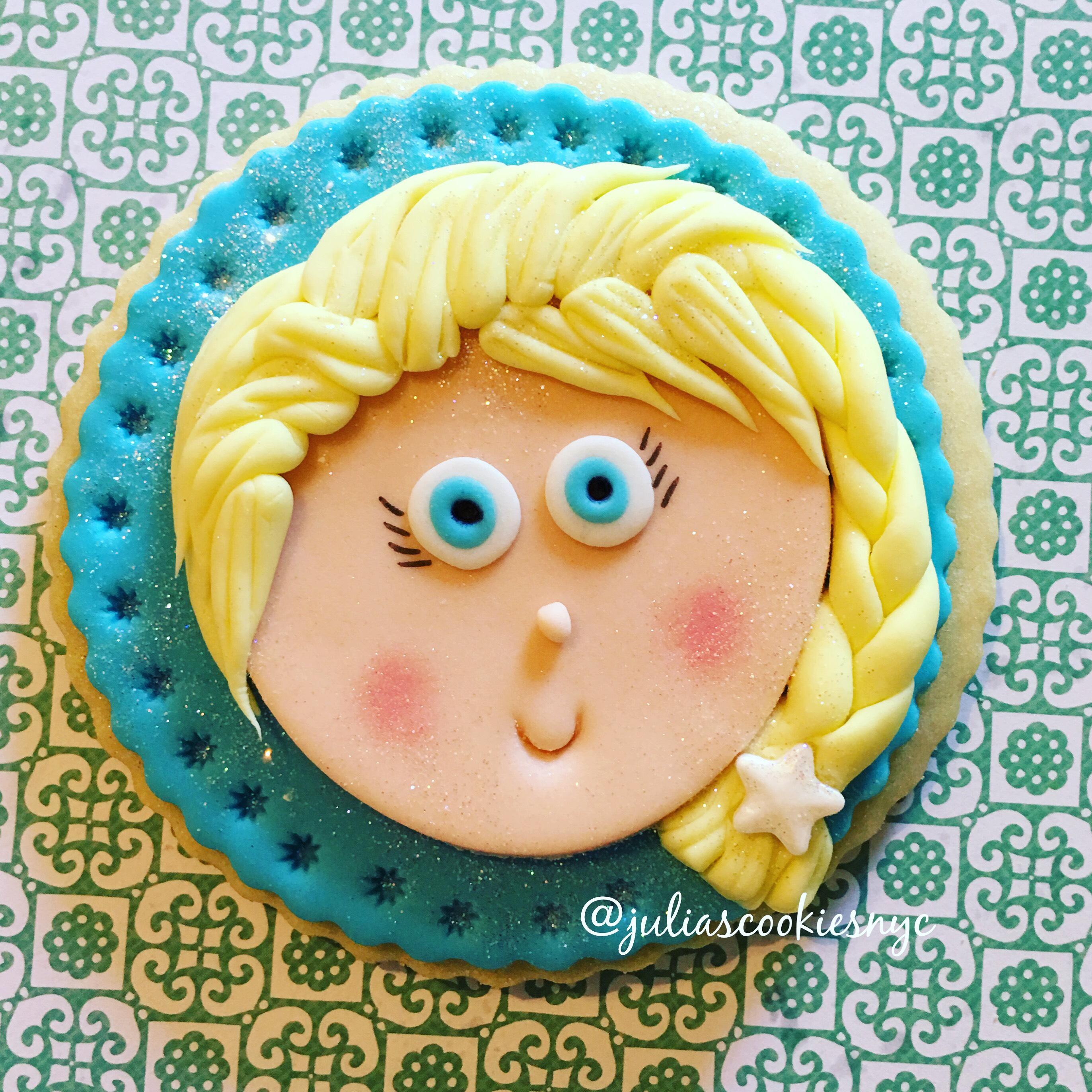 Frozen Elsa fondant cookies