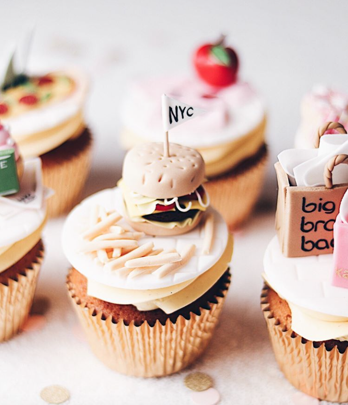 Hamburger cupcake toppers