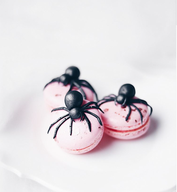 Spider Macarons