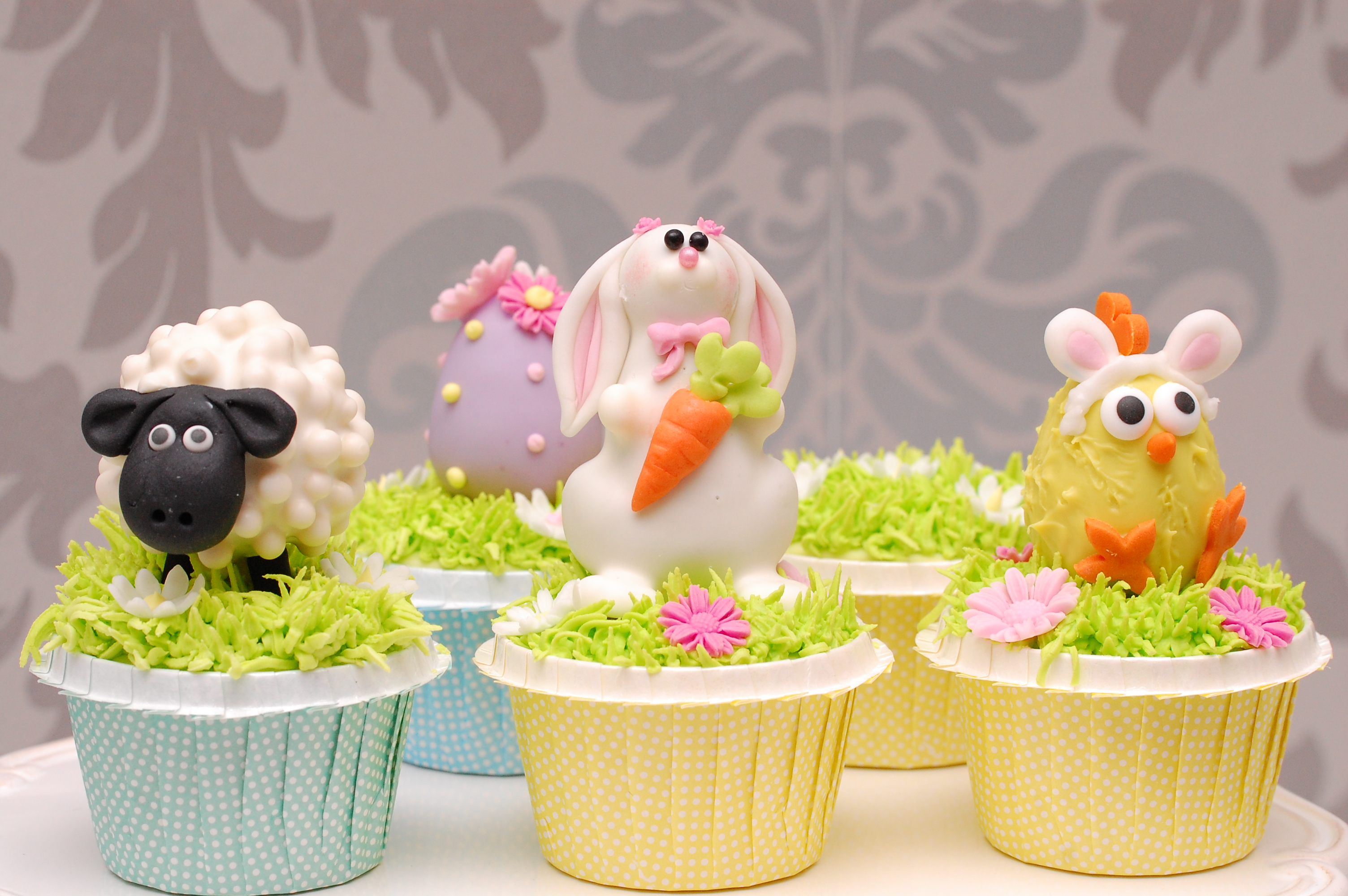 Easter fondant Cupcakes