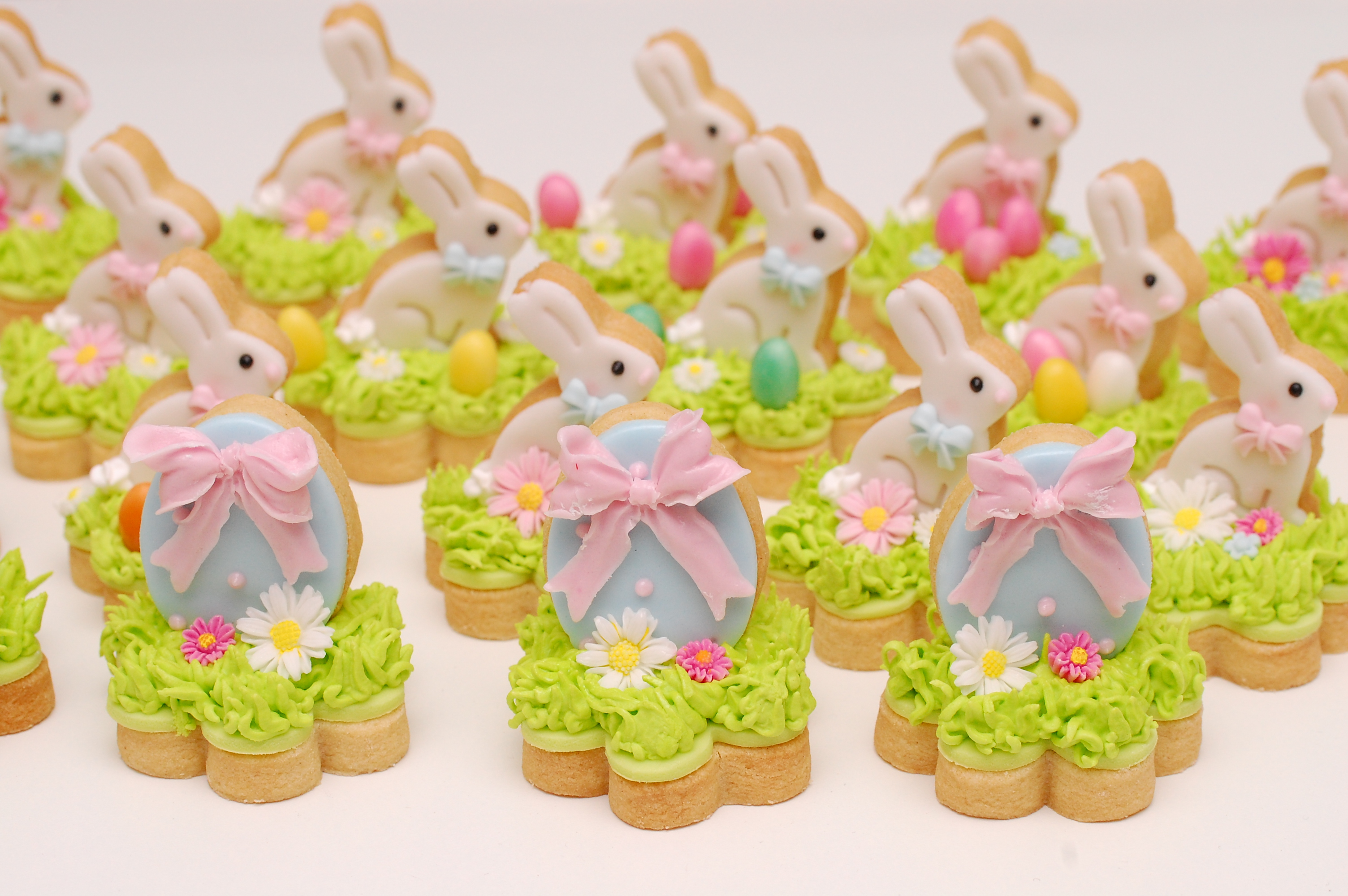 Easter bunny and egg fondant cookies
