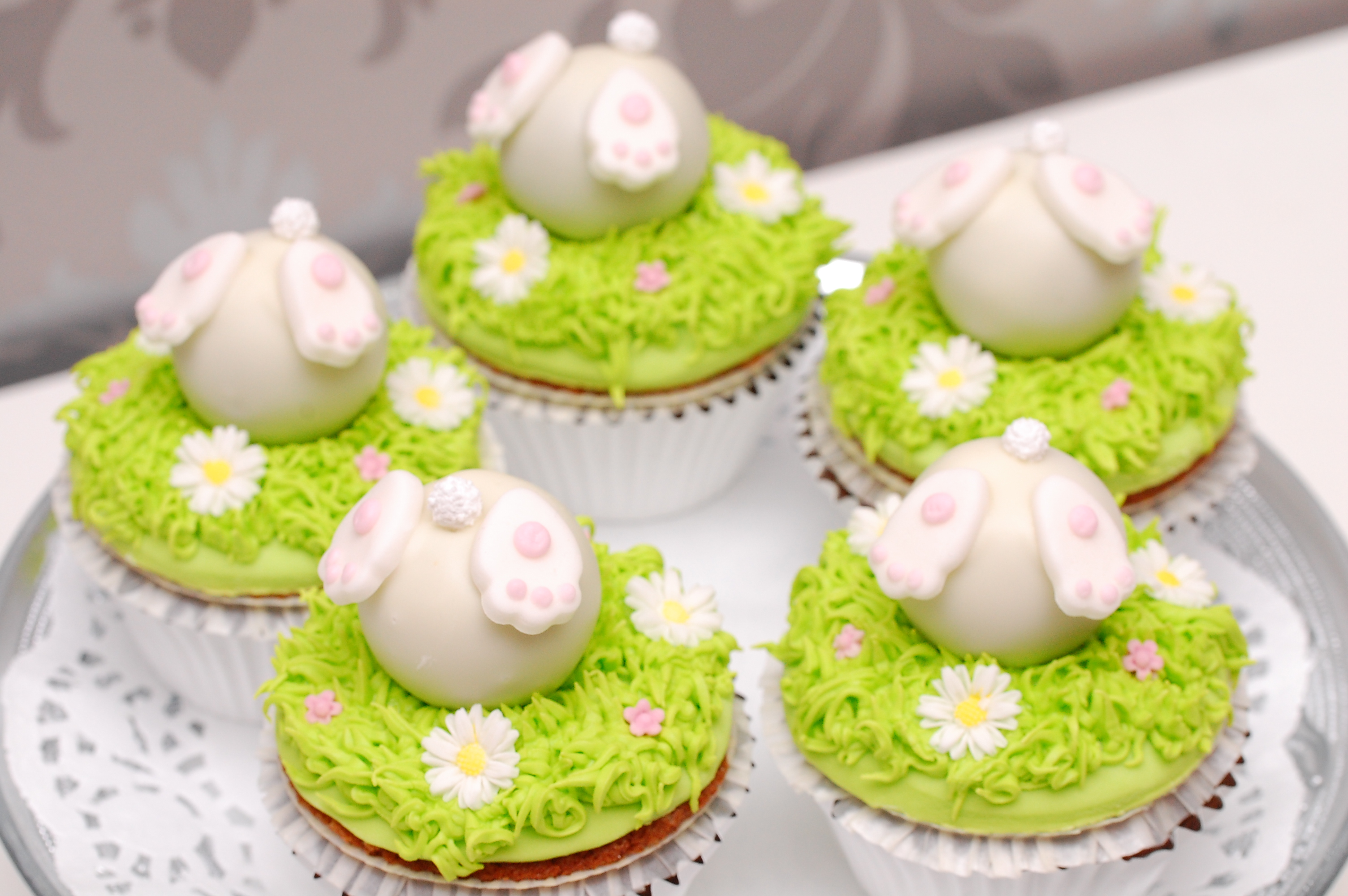 Easter bunny in the grass fondant cupcakes