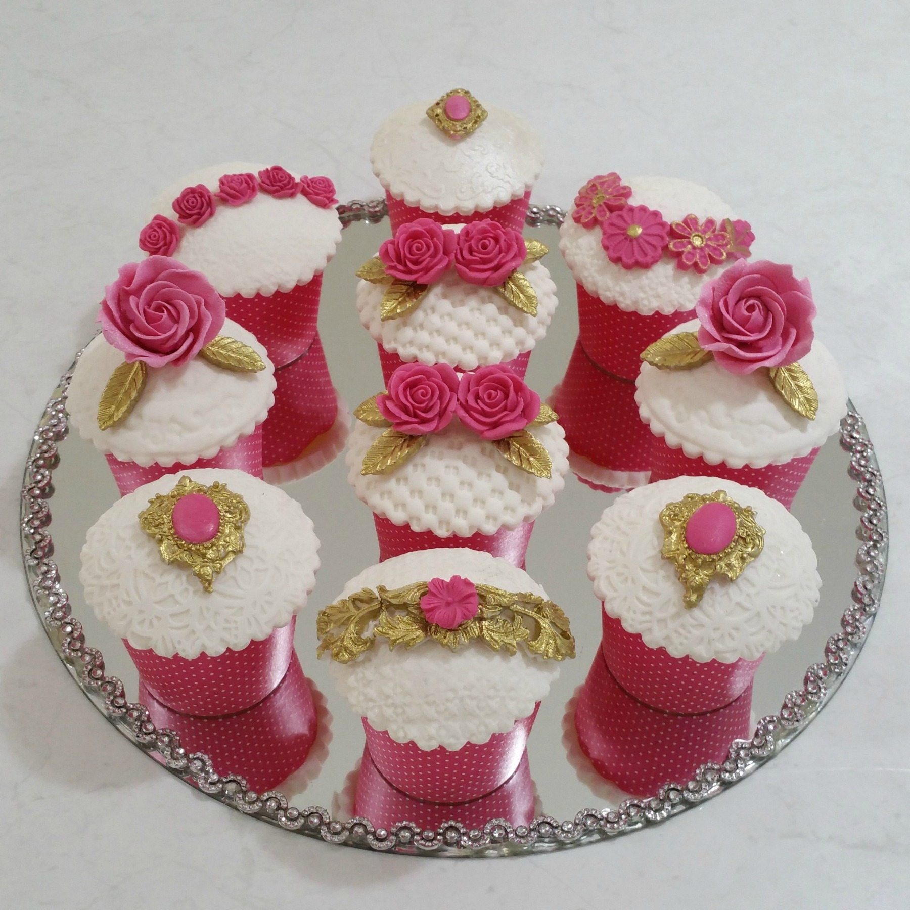 Pink and Gold Baroque Cupcakes