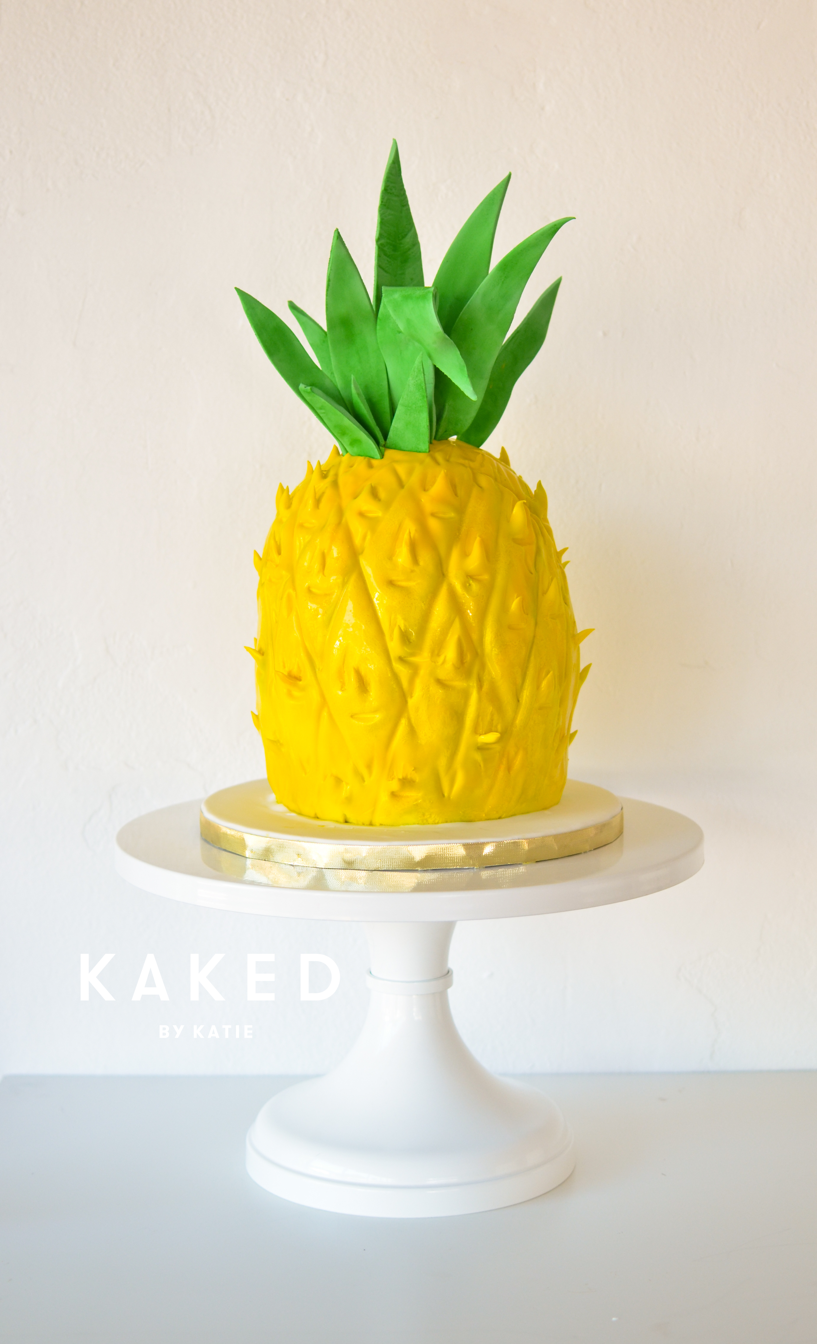 Fondant Pineapple sculpted cake