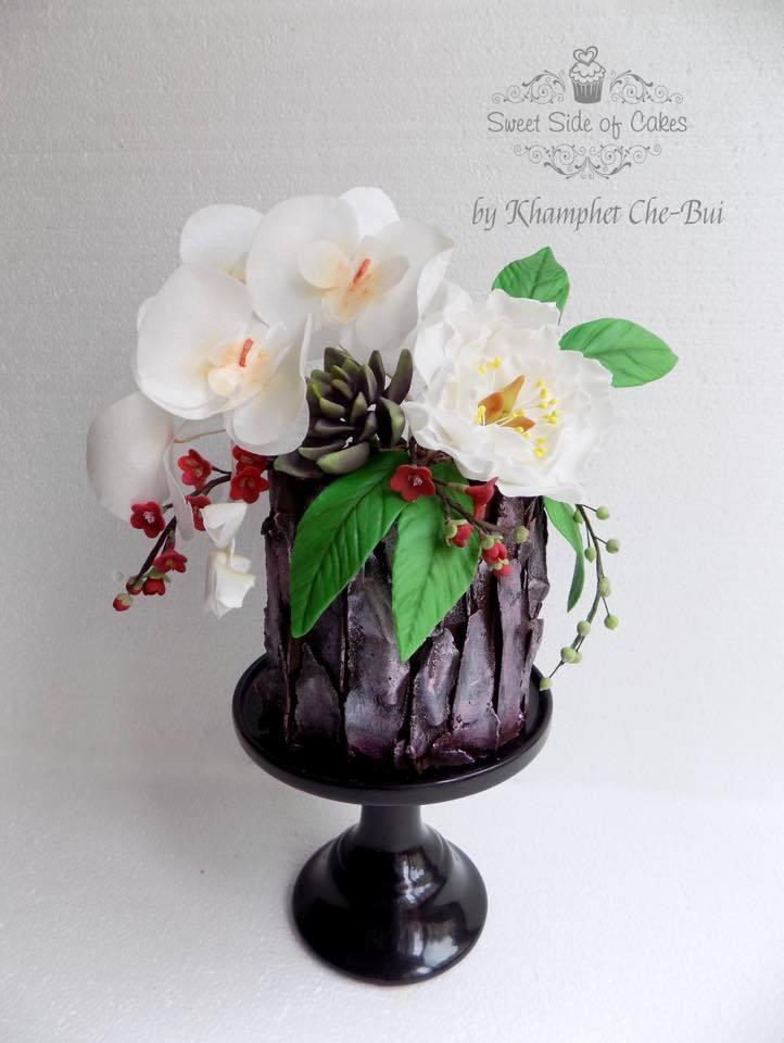 Black bark fondant cake