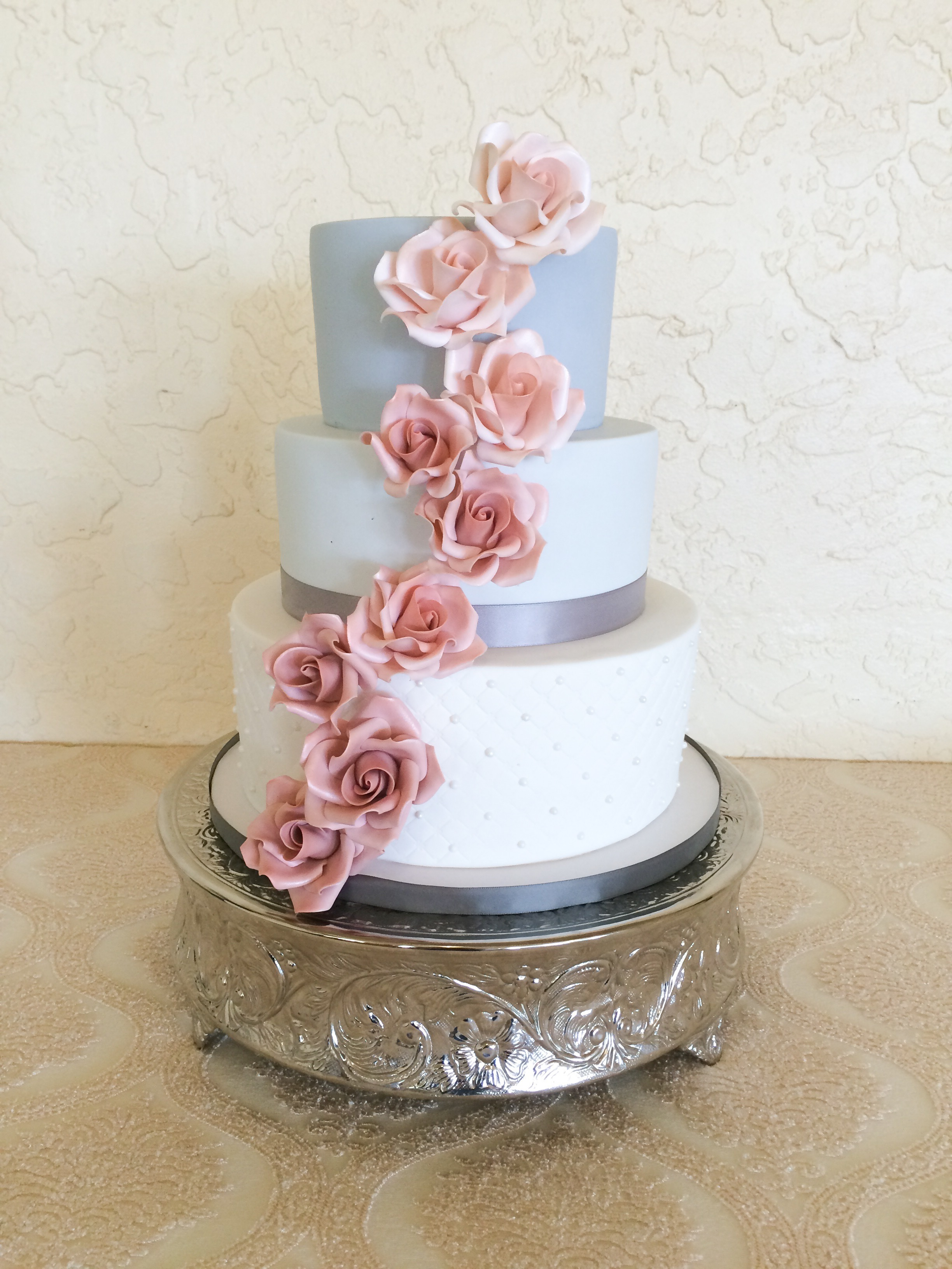 Light blue and white wedding with pink sugar flowers