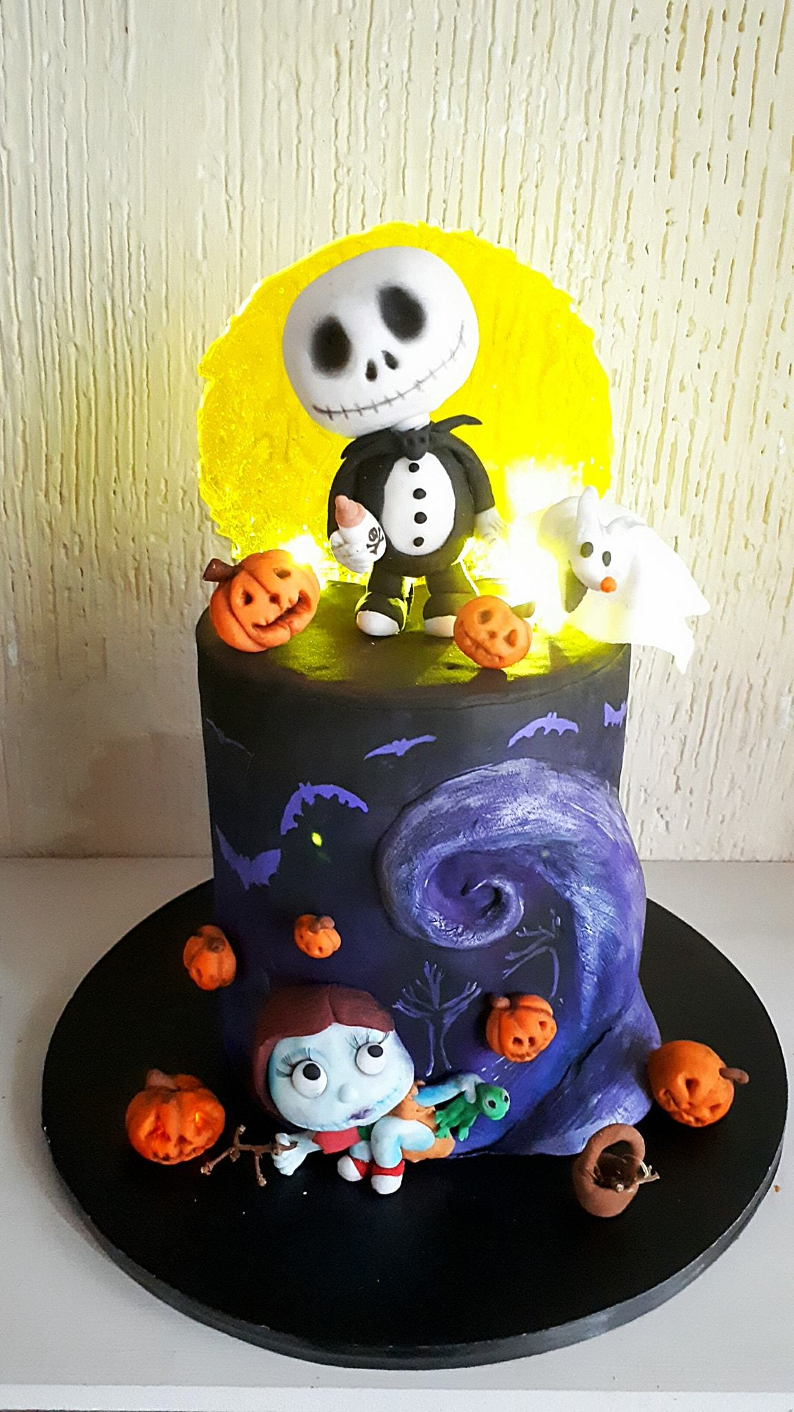 Tim Burton themed halloween cake
