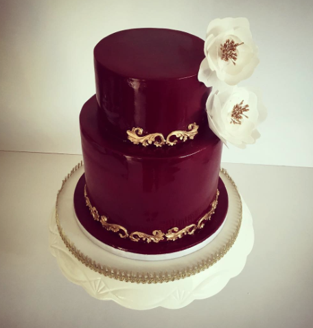 Burgundy wedding cake with sugar flowers