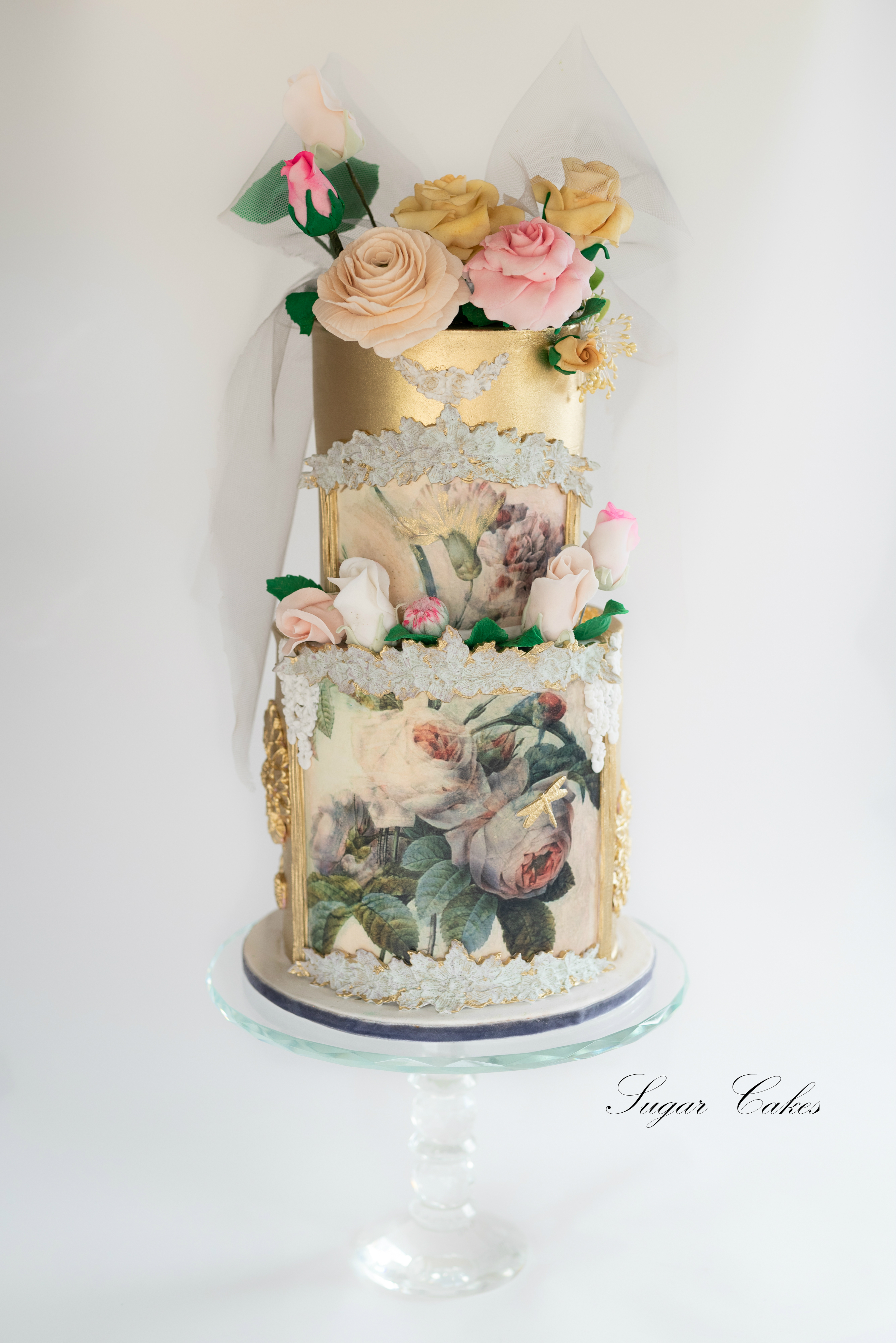 gold textured art nouveau fondant wedding cake