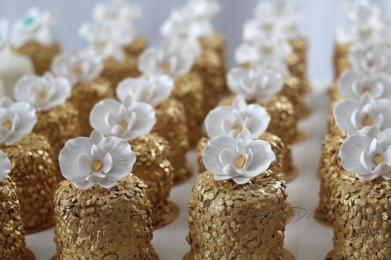 Tiny gold sequin fondant cakes