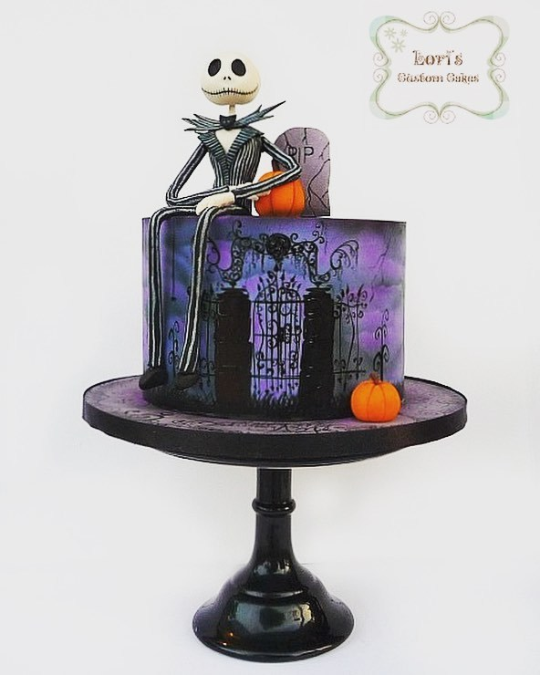 The nightmare before christmas themed fondant cake