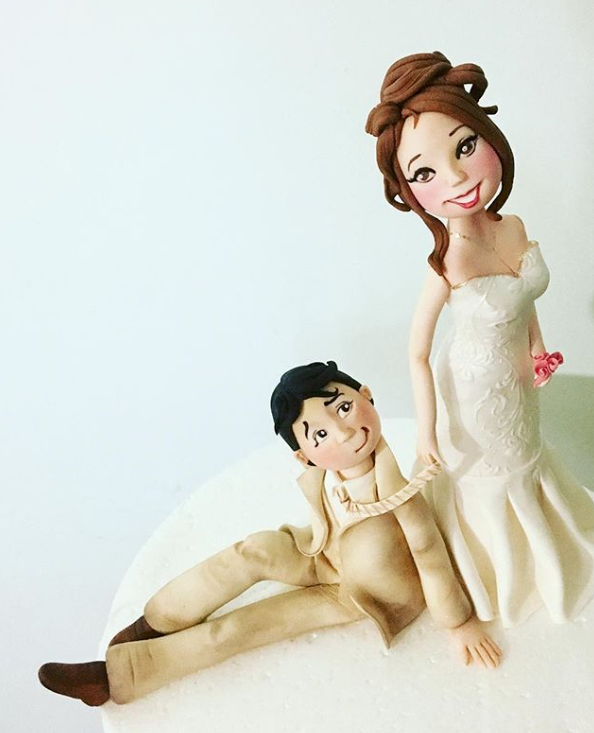 Fondant wedding couple topper
