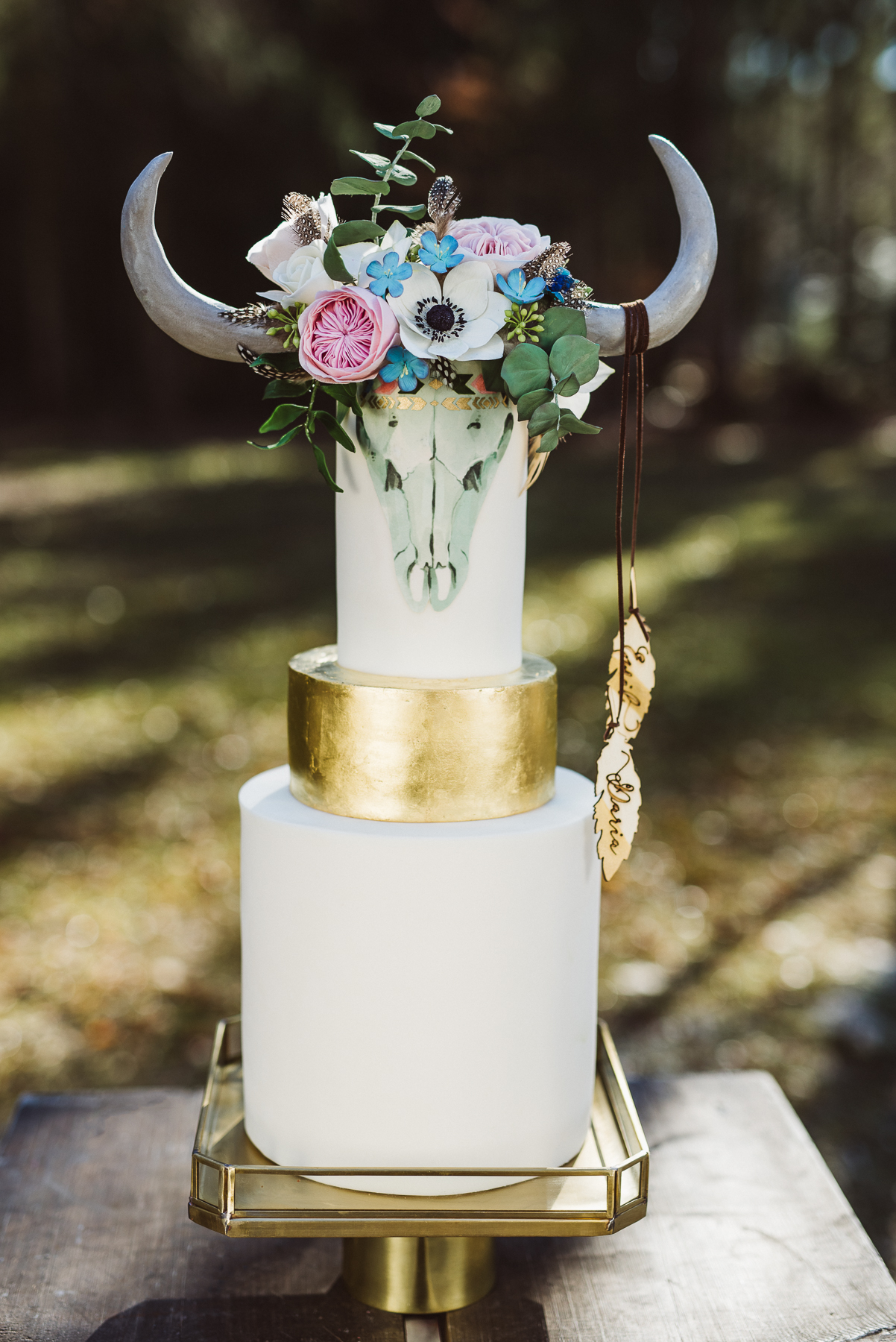 White and gold boho chic wedding cake