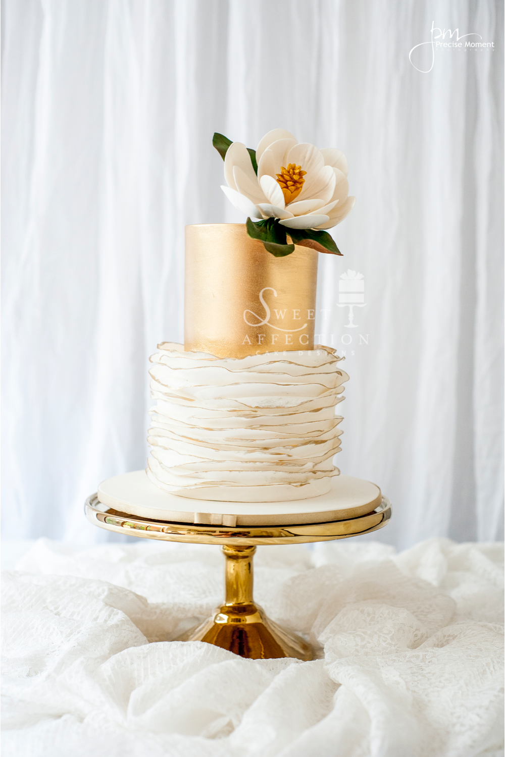 gold and white wedding cake designs shaw satin 14743