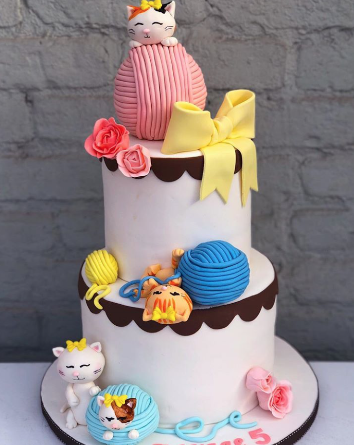 Kitty cat fondant birthday cake