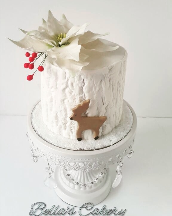 Textured mini white christmas cake