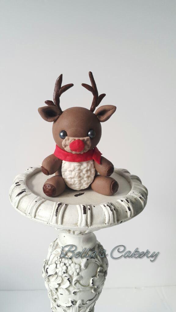 Fondant Christmas Reindeer bust cake