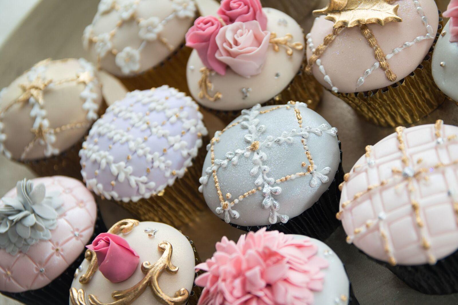 Elegant pastel cupcakes