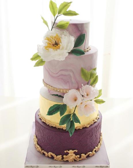 Pantone Purple wedding cake