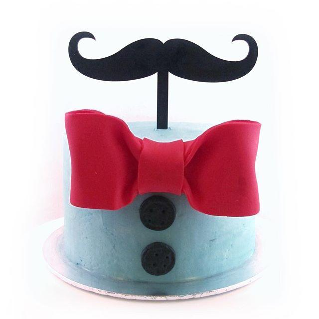 Mustache themed cake