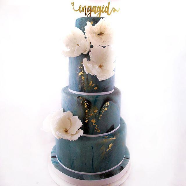 Dark gray with gold wedding cake