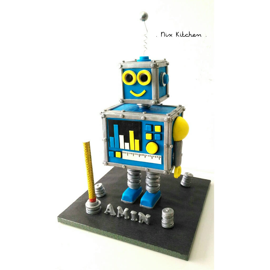 Sculpted robot birthday cake