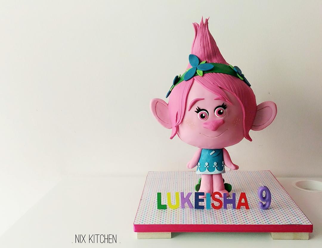 Poppy the troll birthday cake