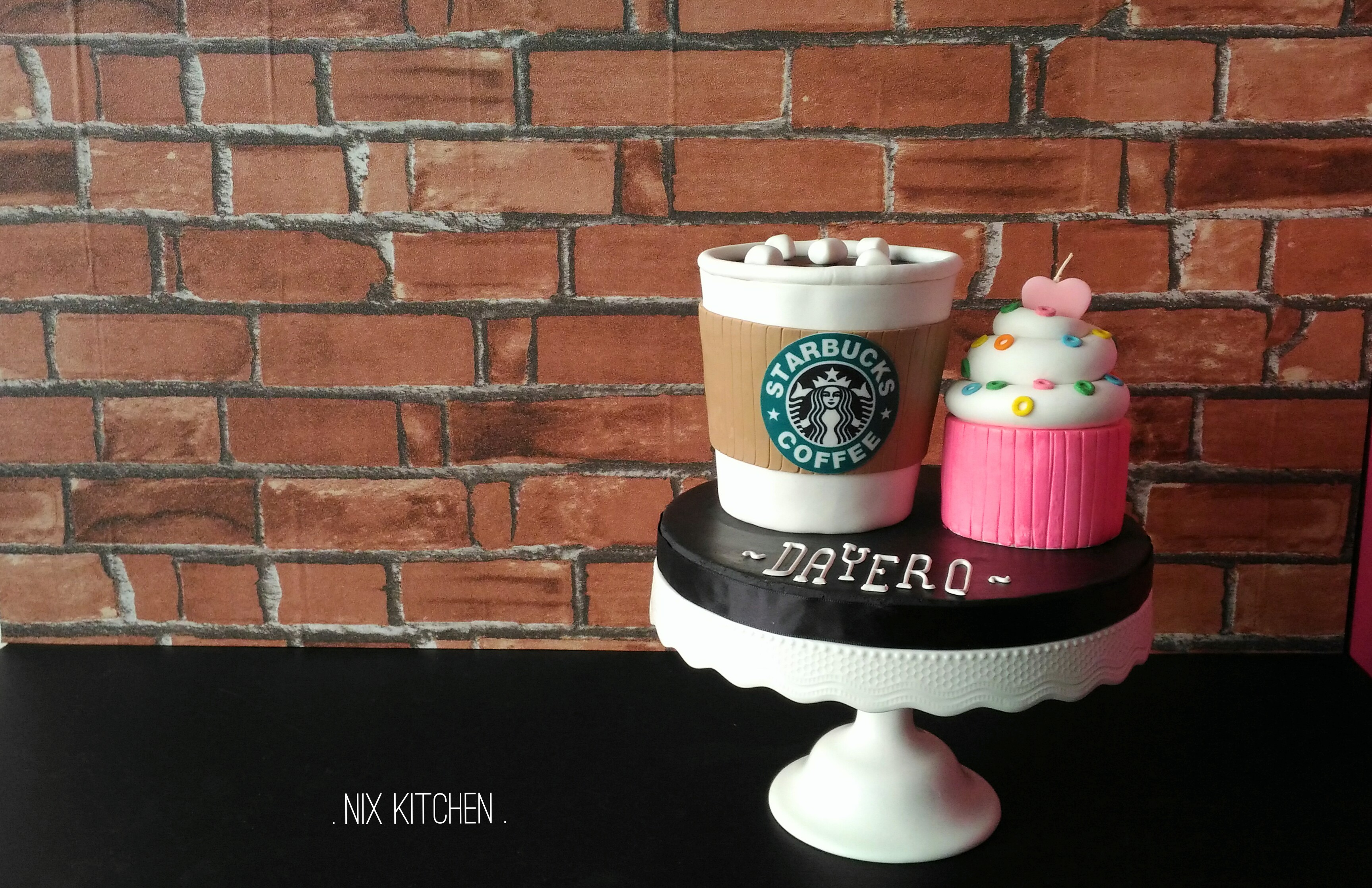 Starbuck coffee cup cake and cupcakes