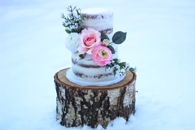Rustic Naked cake with sugar flowers