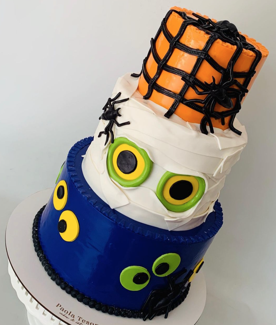 Hallowen monster cake