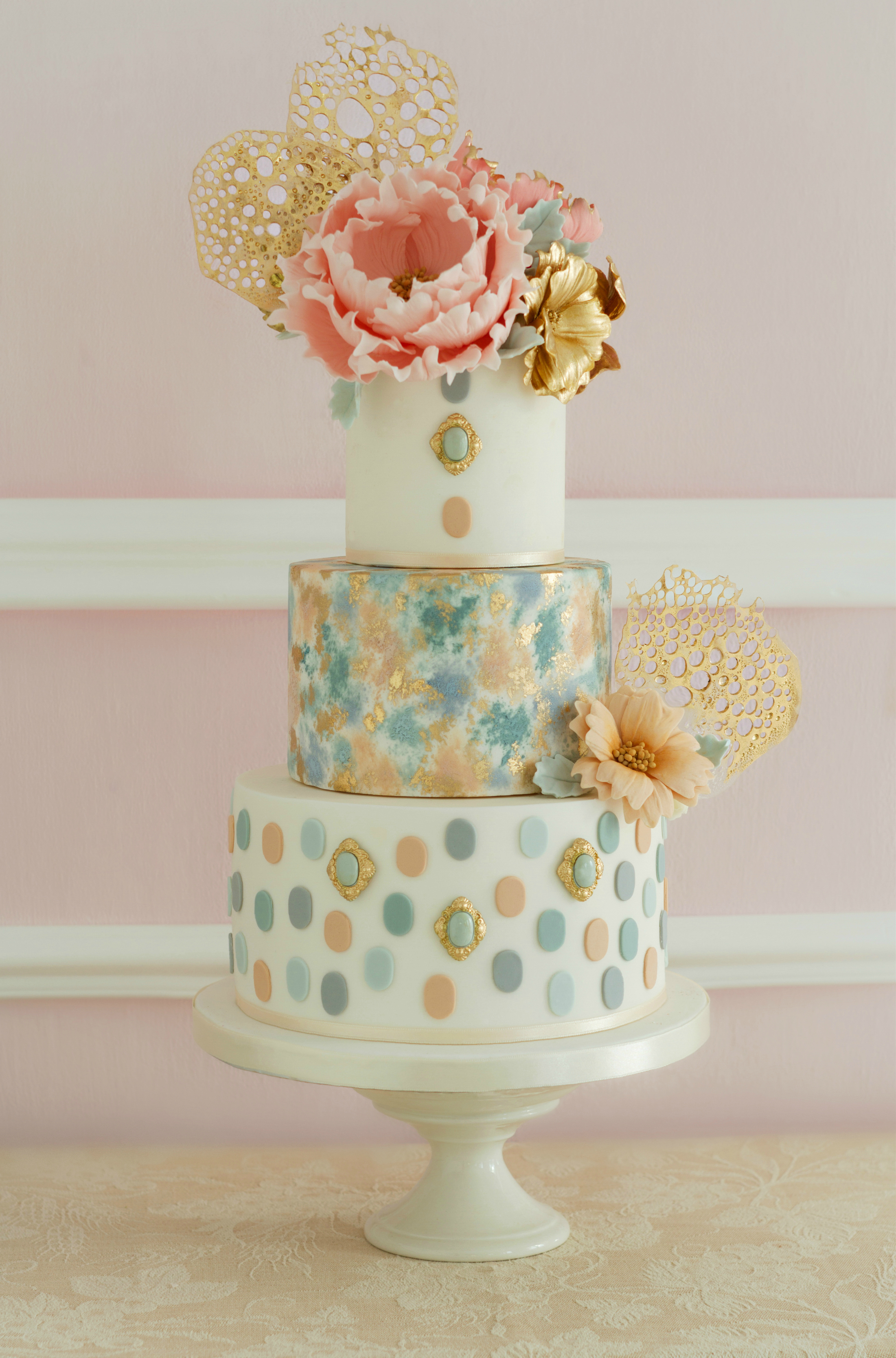 Vintage wedding with polka dots
